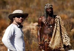 Regisseur Florian Baxmeyer (links) mit Akin Omotoso -...insel