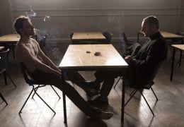 Michael Fassbender und Liam Cunningham in 'Hunger'
