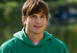 ASHTON KUTCHER in Valentinstag