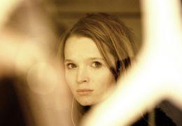 Lilli (KAROLINE HERFURTH)