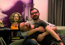 König des Comics - Ralf König mit Freund Olaf Gabriel