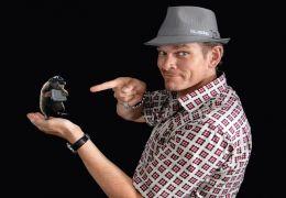 Götz Otto spricht Maulwurf Speckles in 'G-Force -...Biss'