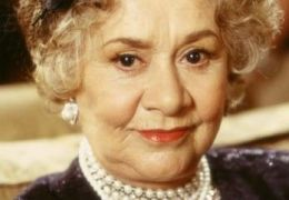 Joan Plowright in 'Haus über Kopf'
