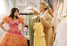 Uma Thurman und Lindsay Sloane in 'Accidental Husband'