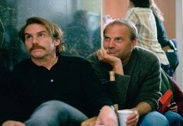 Mike Binder, Kevin Costner  TOBIS Film