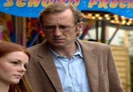 Richard (Peter Lohmeyer) und seine Tochter Jenny...m GmbH