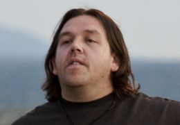 Paul - Nick Frost (Clive Gollings)