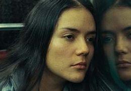 Auf dem Weg zur ihrem Arbeitsplatz: Ana (CATALINA...r Film