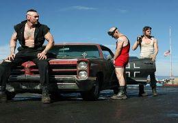 Die Tremor Brothers - Jeeves Tremor (Kevin Durand),...SERVED