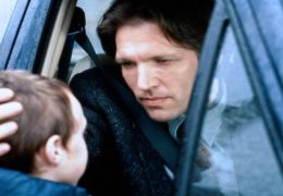 Martin Donovan und Sam Bould in 'Hollow Reed -...reie'