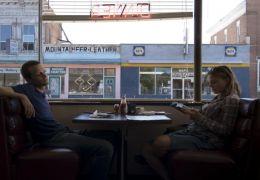 Felix (AUGUST DIEHL) und Ellen (MARIA SIMON) im Diner...evada