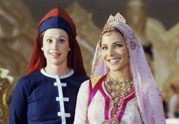 Juliette Poissonnier und Elsa Pataky in 'Isnogud -...esir'