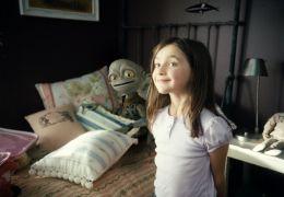 Spark und Hannah Pearson (Ashley Boettcher) in 'Die...mein'