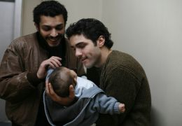 Nach seiner Entlassung besucht Ryad (ADEL BENCHERIF,...phète