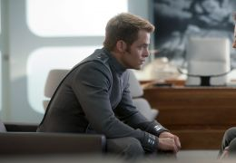 Star Trek Into Darkness - Bruce Greenwood und Chris Pine
