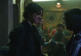 Alita: Battle Angel - Keean Johnson (Hugo), Rosa...lita)