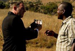 Im Brautkleid durch Afrika - Max (Dirk Martens) sucht...bten.