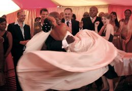 White Wedding - Zandie Msutwana,Kenneth Nkosi,...taker