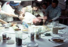 Ripley (v.l.n.r., Sigourney Weaver), Parker (Yaphet...Hurt)