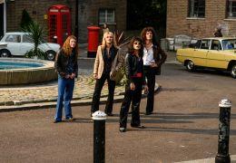 Bohemian Rhapsody - v.l.n.r.: John Deacon (Joe...Lee)