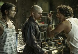 Elysium - (v.l.n.r.:) Diego Luna (Julio) Matt Damon...SIUM.