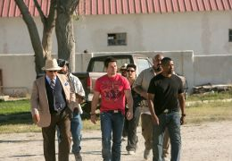 2 Guns - v.l.n.r.: Edward James Olmos ('Papi Greco'),...GUNS.