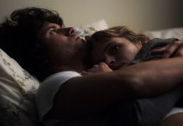 The Off Hours - Amy Seimetz und Bret Roberts