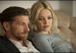 Passion - Dirk (Paul Anderson) und Christine (Rachel...Büros