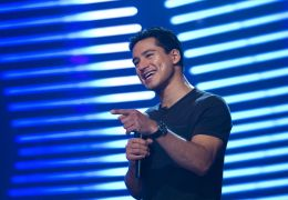 Honey 2 - MARIO LOPEZ plays the Battle Zone host