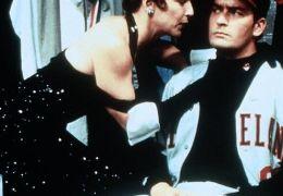 Margaret Whitton und Charlie Sheen in 'Die Indianer...d II'