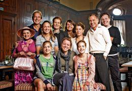 von links nach rechts: sitzend: Jana Münster, Julia...nni 2