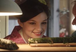 Sushi in Suhl - Geisha Giesela (Ina Paule Klink) und...her.