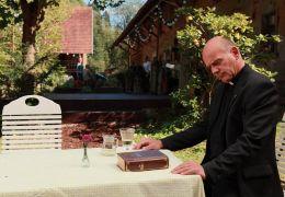 Die Kirche bleibt im Dorf - Hochwürden Schäuble beim...bauer