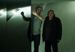 Choral des Todes - Regisseur Sylvain White am Set mit...dieu.