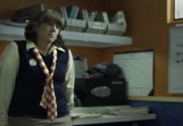 Compliance - Ann Dowd und Dreama Walker