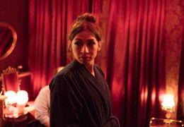 Berlin, I Love You - Laila (Carol Schuler) stellt...Selim