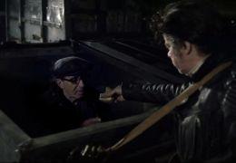 Ohne Gnade - Elvis (Helge Schneider) hilft Alfons...aus.