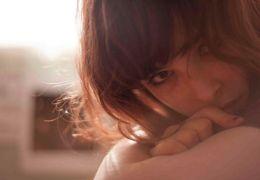 Galore - Ashleigh Cummings als Billie