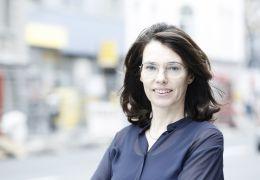 Titos Brille - Regisseurin Regina Schilling