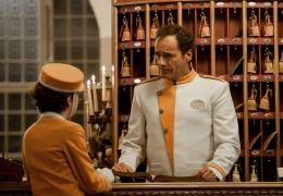 Timm Thaler - Thomas Ohrner als Concierge in der...esen)
