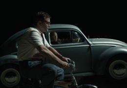 Suburbicon - Gardner (Matt Damon, vorne) wird von...folgt