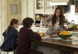 Bad Moms - Oona Laurence (Jane), Emjay Anthony...(Amy)