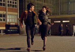 Sing Street - Raphina (Lucy Boynton) und Conor...eelo)