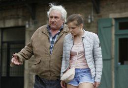 Saint Amour - Jean (Gérard Depardieu) mit Jennifer...got).