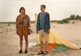 Ferien - Vivi (Britta Hammelstein) und Eric (Jerome...mmer)