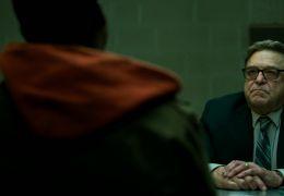 Captive State - Mulligan (John Goodman) nimmt Gabriel...rhör.