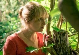 Sommerhäuser - Eva (Laura Tonke) erfährt von den...chaft