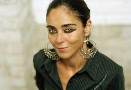 Auf der Suche nach Oum Kulthum - Porträt von Shirin Neshat