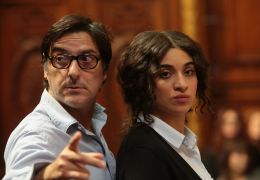 Die brillante Mademoiselle Ne la - Behind the scenes:...Attal