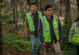 Searching - Peter Kim (JOSEPH LEE, l.) und David Kim..., r.)